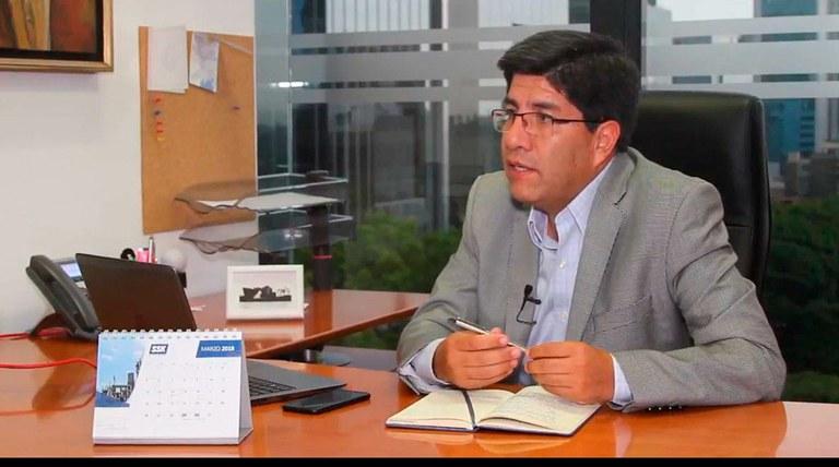 Julio Peraltilla, Manažer zařízení - SSK