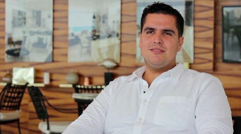 Ricardo Valenzuela, Vedoucí pracoviště